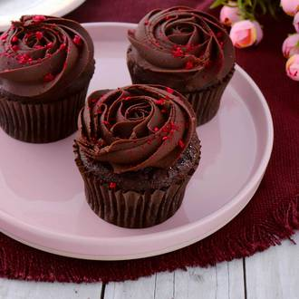 Chocolate & Raspberry Rosette Cupcakes