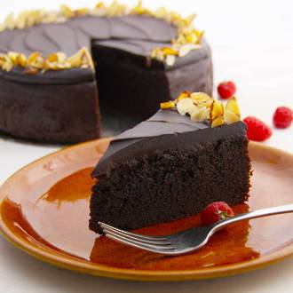 Low-Gluten Chocolate Almond Cake